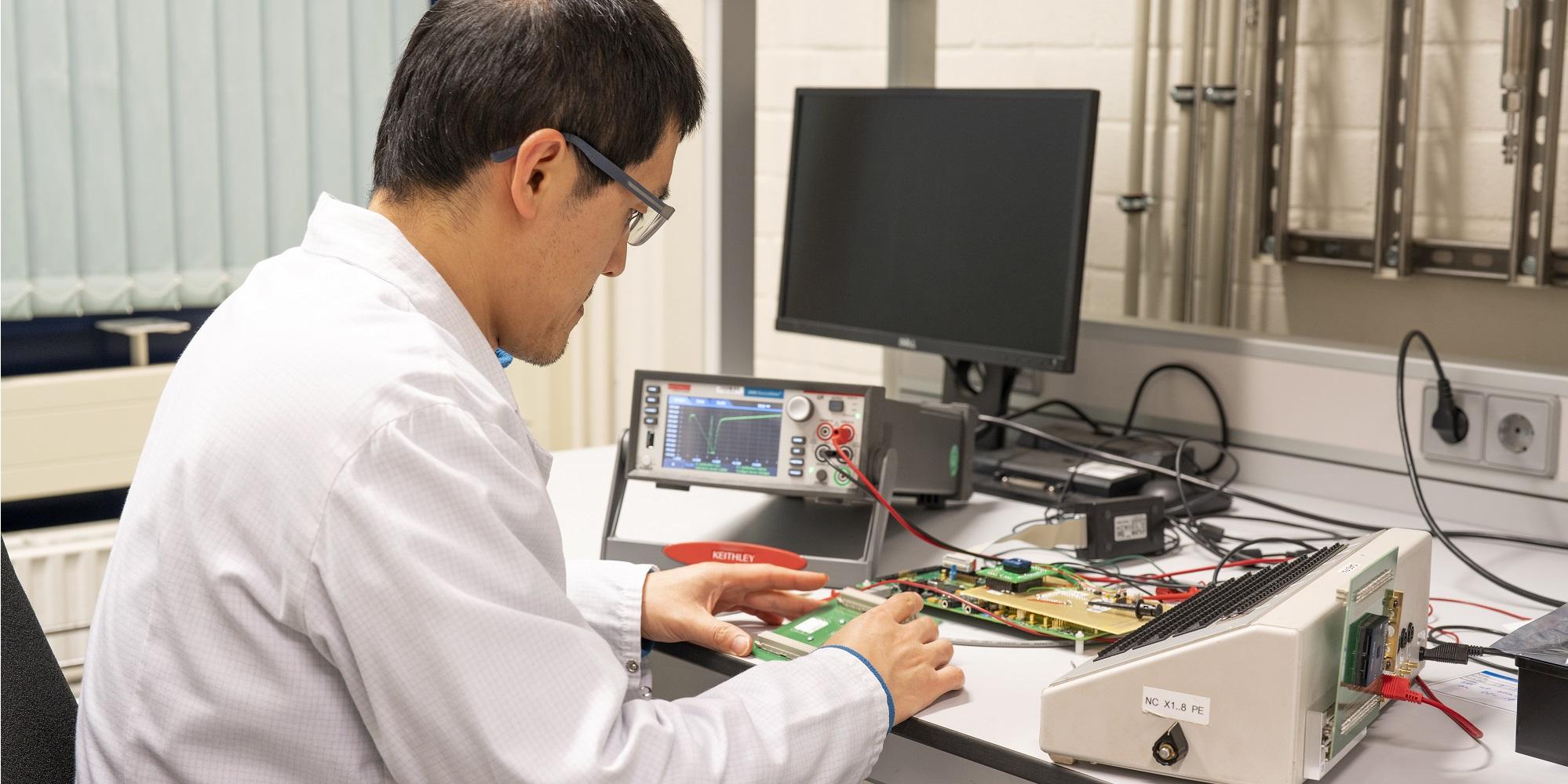Design of analog electronics - analog electronics 1 - High Tech Institute